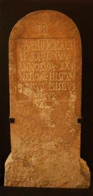 Musée archéologique de Nîmes, tombe de gladiateur 2013