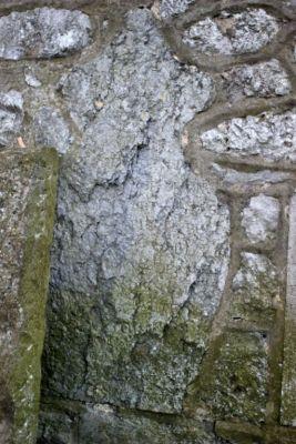 Pry-lez-Walcourt 2015 pierre effacée